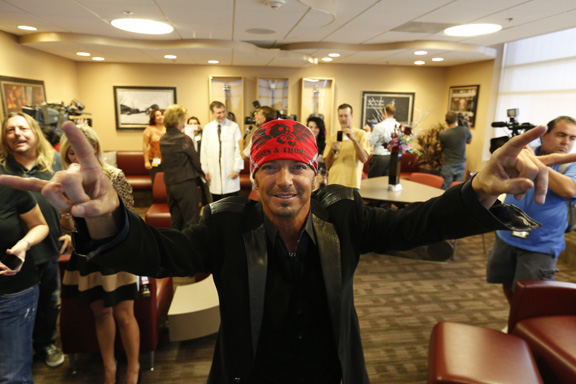 Bret Michaels Celebrates Room Opening